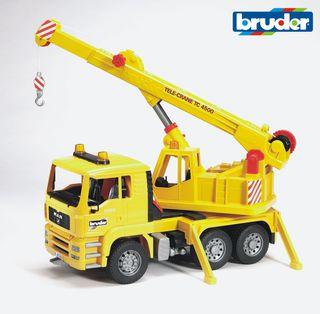 BRUDER sunkvežimis auto su kranu, 02754