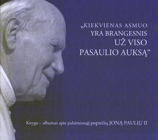 Albumas apie popiežių Joną Paulių II