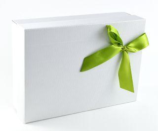 Dėžutė knygoms (balta, žalias kaspinėlis, 16,5 x 23,5 x 7 cm)