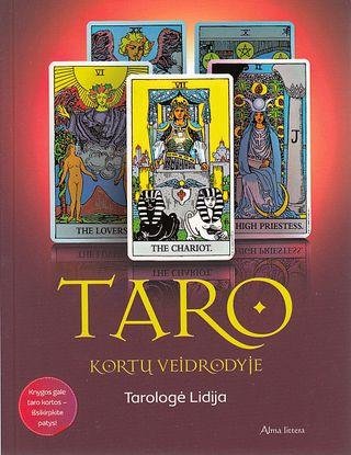 Taro kortų veidrodyje