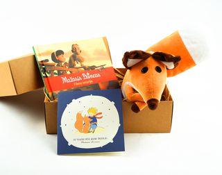 Mažasis dovanų rinkinys MAŽASIS PRINCAS nr. 2: filmo istorijos knygelė + pliušinė lapė + atvirukas: tu visada būsi mano draugas (pridedama NEMOKAMAI!) dailioje dėžutėje