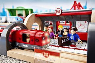 Brio rinkinys su traukinio bėgiais Metro railway, 33513
